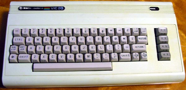 Your first computer Vic20-exterior